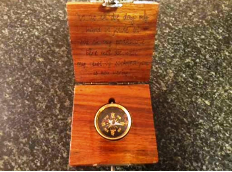 COMPASS WITH WOODEN BOX