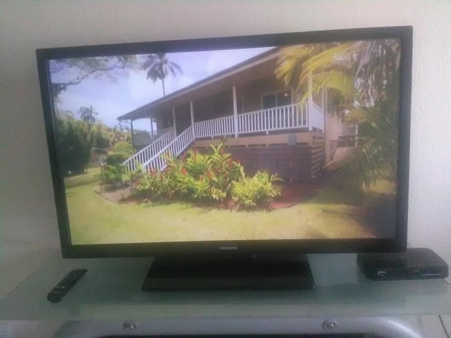 Samsung HD TV 45 inc